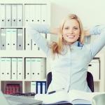 オフィスの椅子で完結!働く女性のためのこっそり脱力ストレッチ