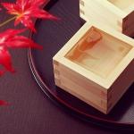 木々の葉も頬も色づく…紅葉鑑賞とセットで楽しみたい日本酒居酒屋