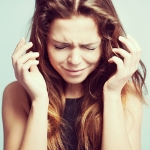 職場では泣けない!がんばる働き女子の「心のストレス解消法」