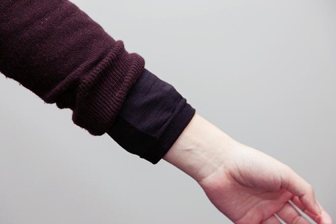 ラウンドネック長袖シャツ