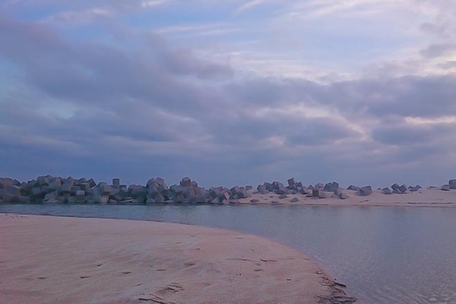 ペールトーンの幻想的な海