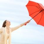 雨の日が待ち遠しくなる?梅雨時のオフィスライフを快適にするアイテム3選