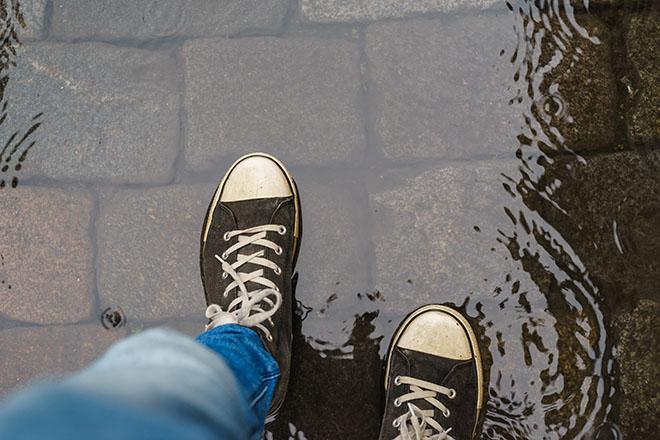 濡れた靴に新聞紙はNG
