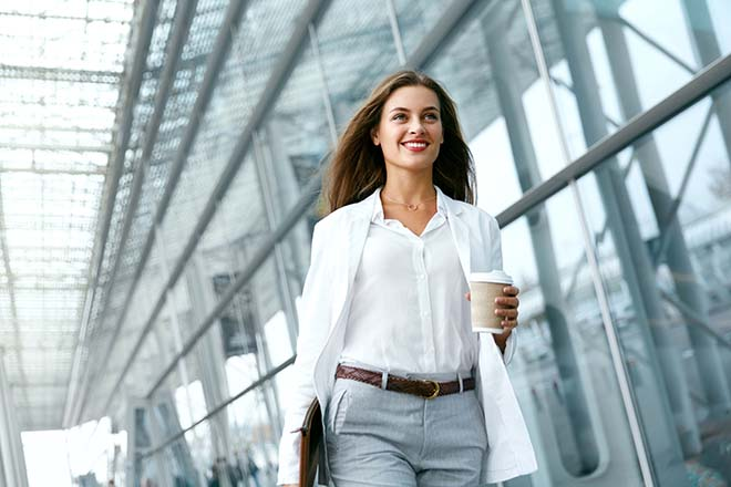 いきいき働く女性のイメージ画像