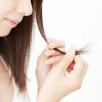 切れ毛がひどい…原因と対策、予防に効果的なヘアケアアイテムをご紹介